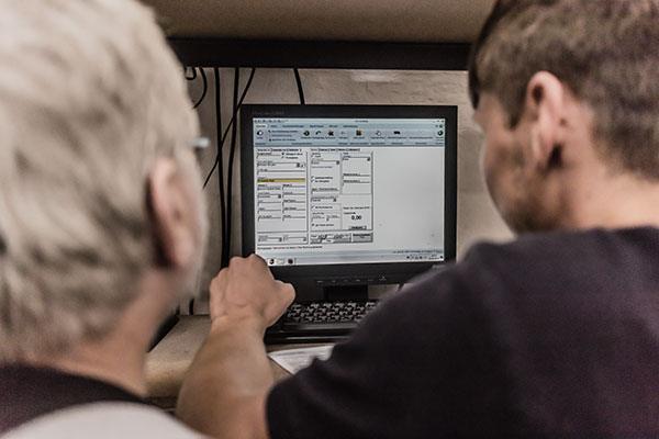 Versandabteilung bei aps Aviation Parts Service